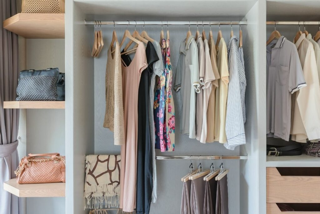 How to Clean Your Wardrobe