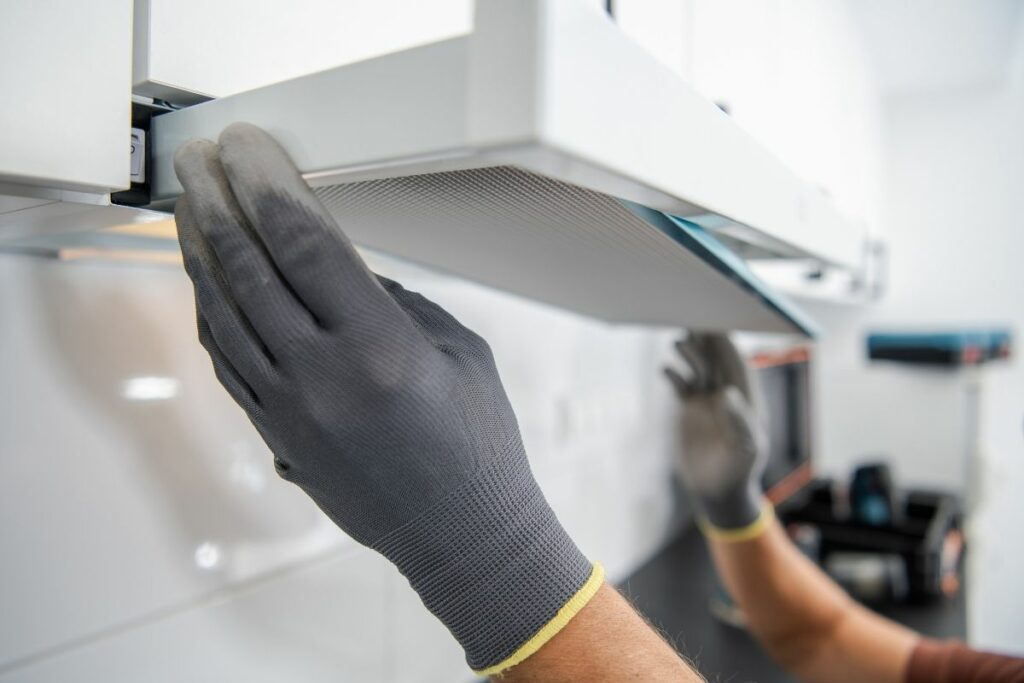 How to Clean the Filter in the Kitchen Fan