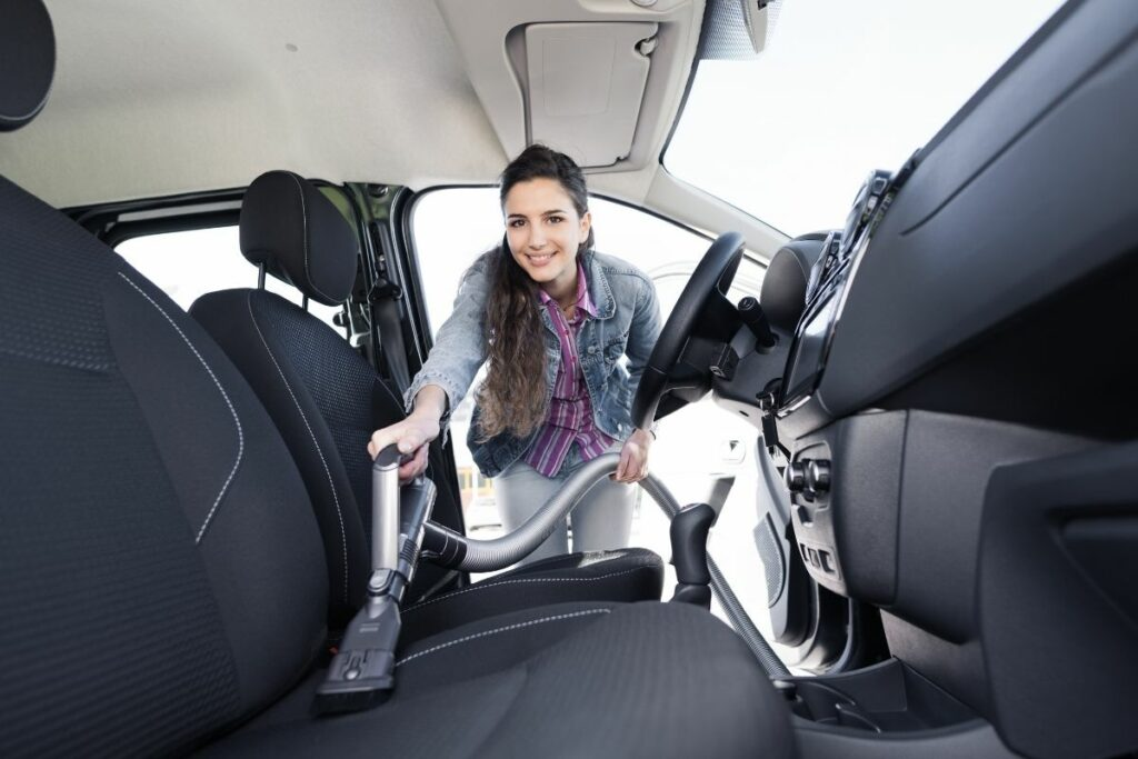 How to Clean the Car's Interior
