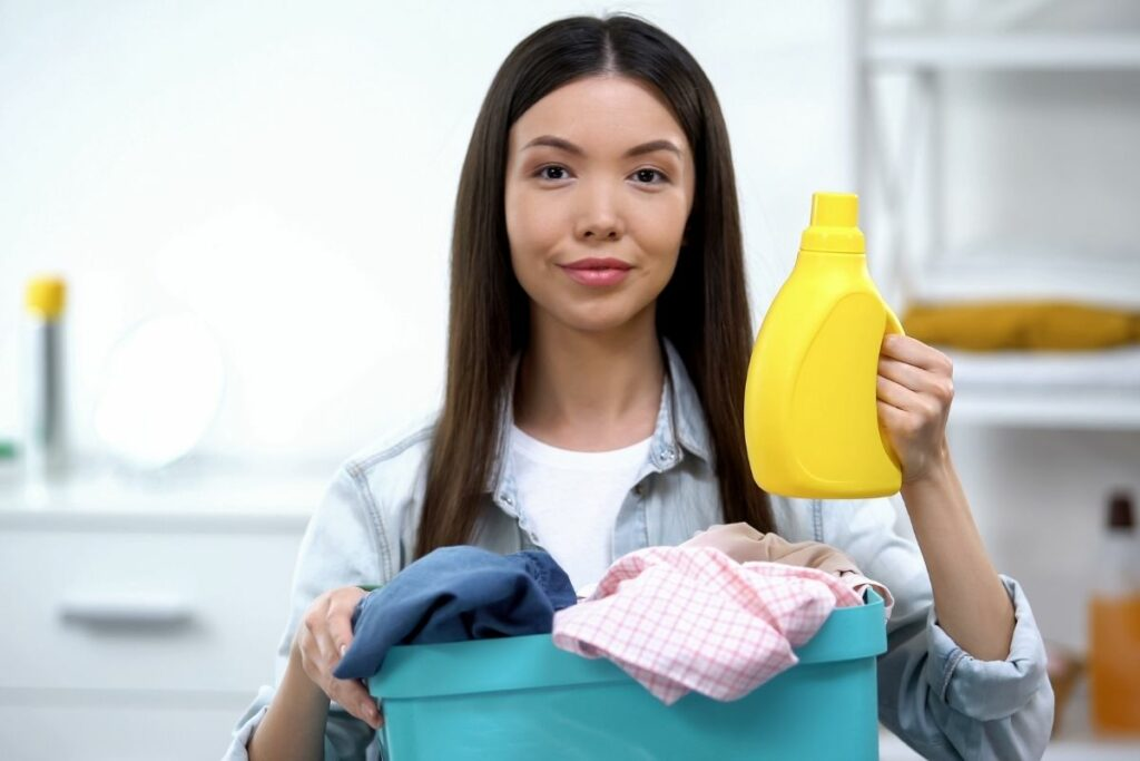 Does Fabric Softener Clean Clothes