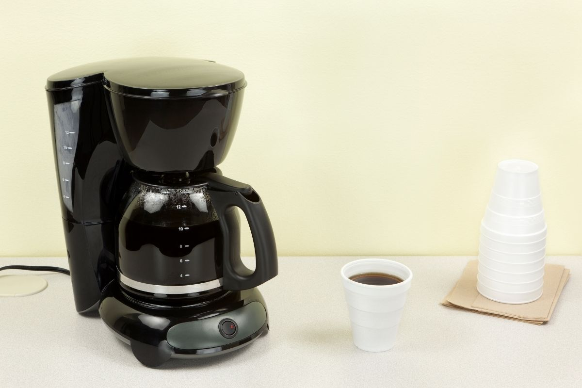 How to clean a coffee maker without vinegar?